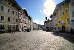marktstrasse-in-der-stadt-bad toelz